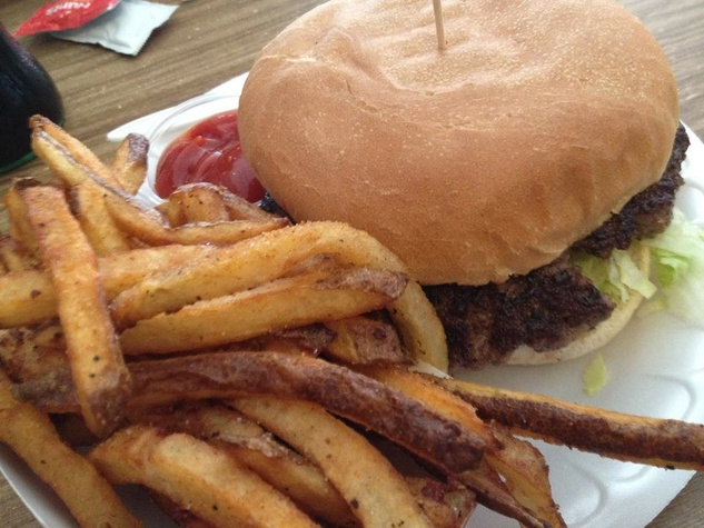 Hubcap Grill, hamburger, burger, french fries