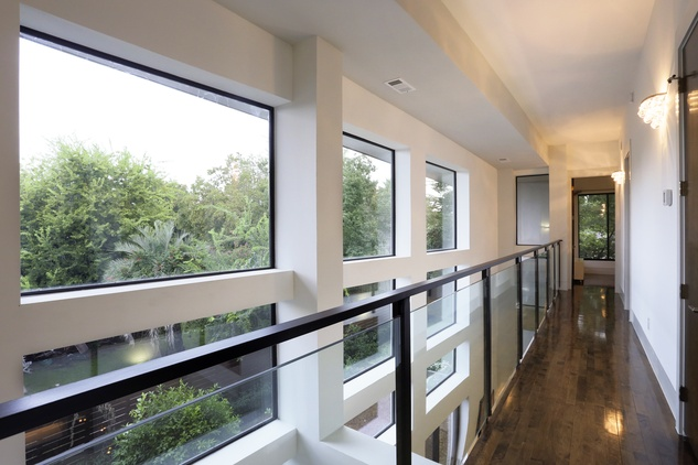 10 On the Market 734 E. 8th St. Houston Heights March 2015