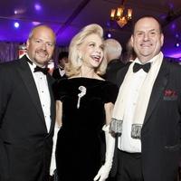 News_016_Houston Grand Opera_opening night_October 2011_Patrick Summers_Lynn Wyatt_Perryn Leech.jpg