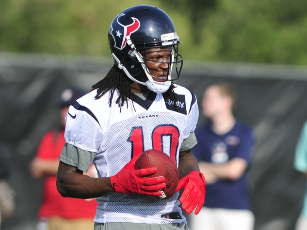 DeAndre Hopkins close Texans