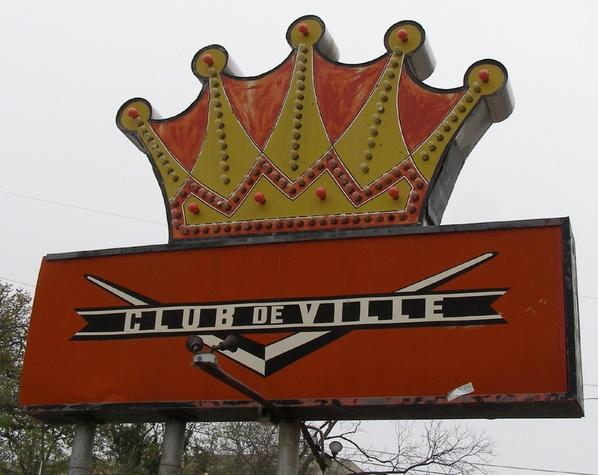 Austin photo: Places_Drink_Club de Ville_Sign