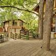 Austin home for sale 607 East 49th Hyde Park exterior deck backyard