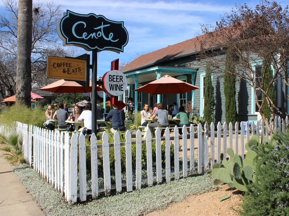 Cenote_coffee_exterior_sign