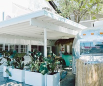 Pool Burger exterior