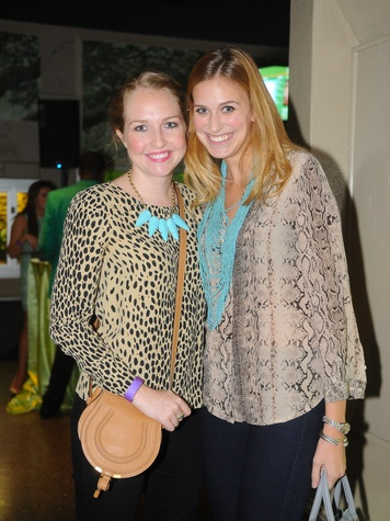 9685 Ali Gray, left, and Lauren Baughman at the Scales and Cocktails Houston Zoo Flock event