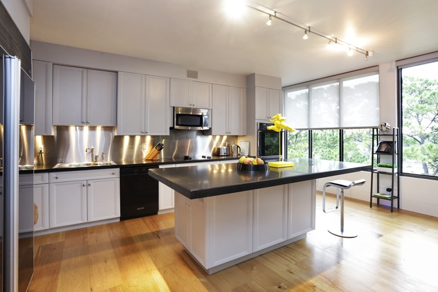 5 On the Market 21 Briar Hollow 802 penthouse with rooftop garden June 2014 kitchen