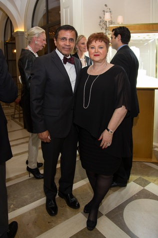 17 Dror and Helene Zadok at the Zadok jewelry dinner October 2014