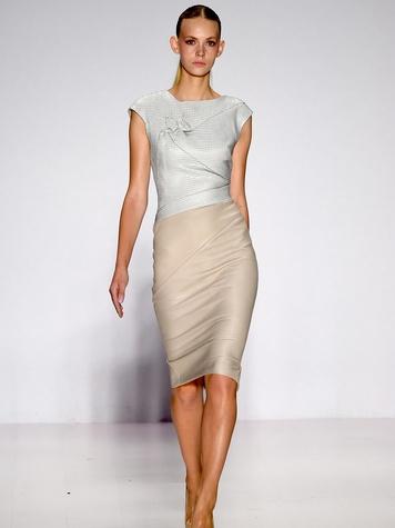 Fashion Week spring 2015 Pamella Roland body-con dress