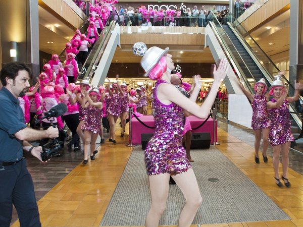 News_Pink Well_Flash Mob_June 2011