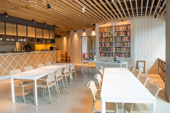 8 mellow Austin restaurants for quiet meals and intimate conversations