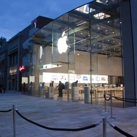 News_Apple store_Highland Village_March 2012