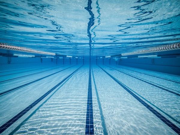 Swimming pool underwater lanes swimming pool lanes underwater
