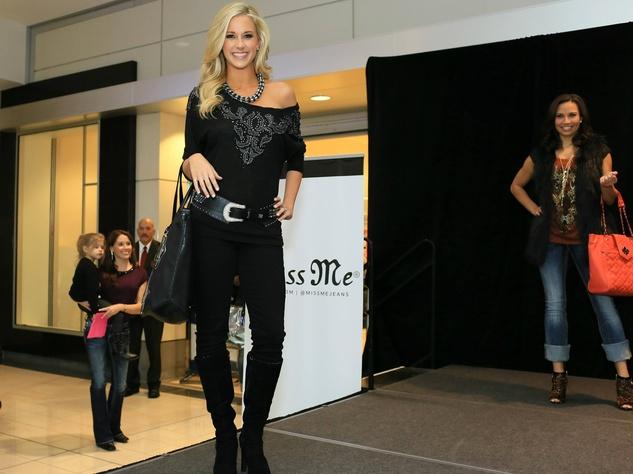 model, stonebriar centre, miss me jeans fashion show