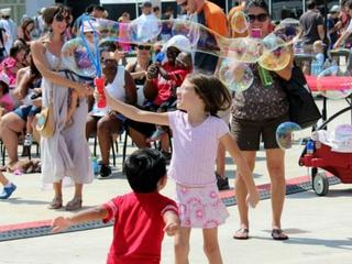 Long Center presents Bubblepalooza