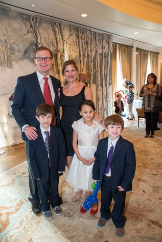 18 Josh and Danielle Batchelor with Coulson Batchelor, Mila Burrow and Beckett Batchelor at the Houston Symphony Magical Morning December 2014