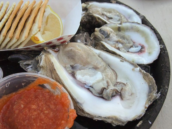 where to eat right now, February 2013, Raw Oysters, oysters on the half-shell