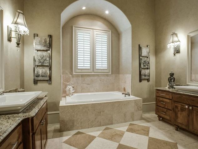 Master bathroom at 1724 Wisteria Way in Westlake