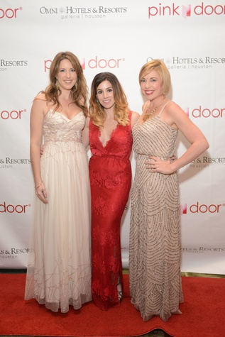 3 Lindsey Hadfield, from left, Jessica Griggs and Laura LaRue at the Pink Door Gala November 2014