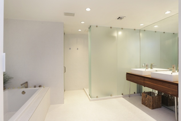 10 On the Market 21 Briar Hollow 802 penthouse with rooftop garden June 2014 master bath