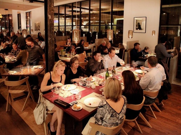 Triniti, restaurant, diners, crowd, November 2012