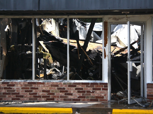 fire at hair salon and laundry mat Houston August 2013