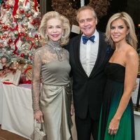 6 Lynn Wyatt, from left, with Lee and Faith Majors at the Trees of Hope Gala November 2014