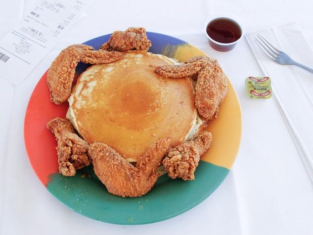 News_Breakfast Klub_wings and pancakes