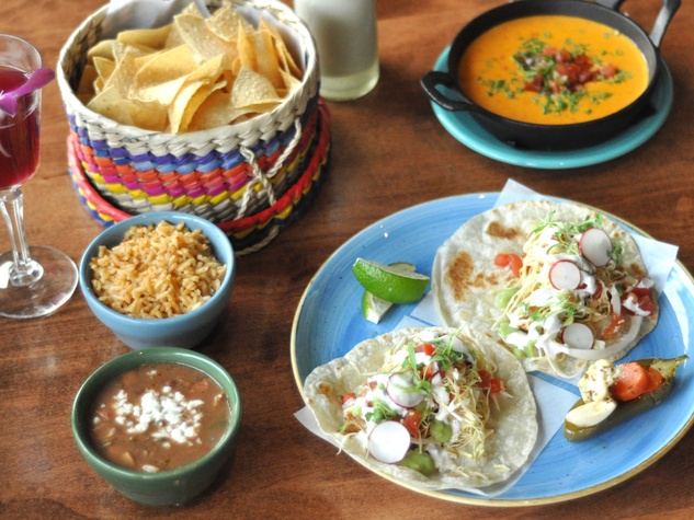El Burro Tex Mex and Bar restaurant happy hour food