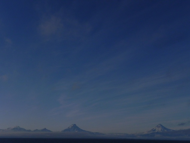 News_UnAlaska_Distant Volcanoes