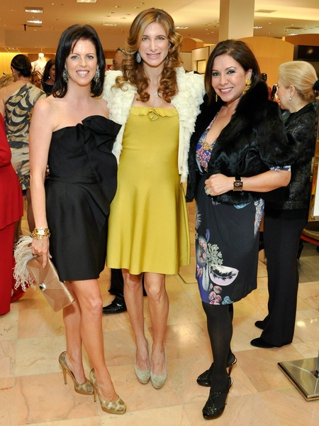 News_011_Best Dressed 2011_Elizabeth Petersen_Melissa Mithoff_Debbie Festari