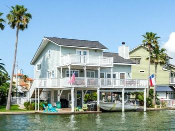 Galveston getaway stars in popular travel shows's latest episode