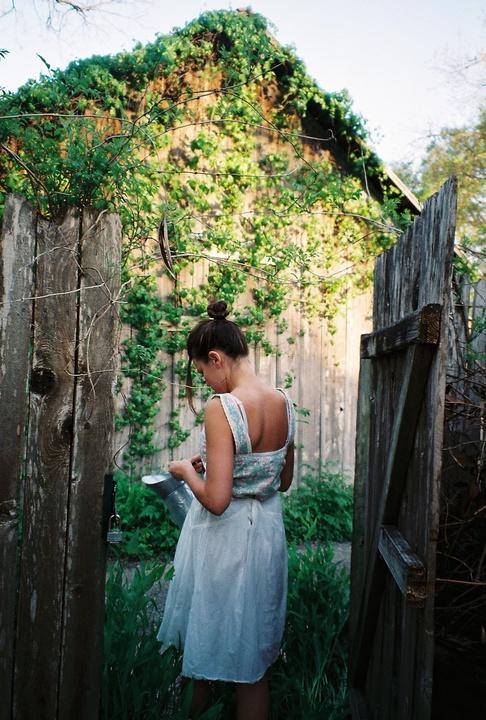 Austin Photo Set: Photo Essay_Katherine Squier_Summer in Austin_standing green