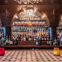 Leon's Lounge