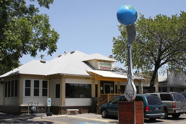 Austin Photo: Places_food_hyde park bar & grill exterior