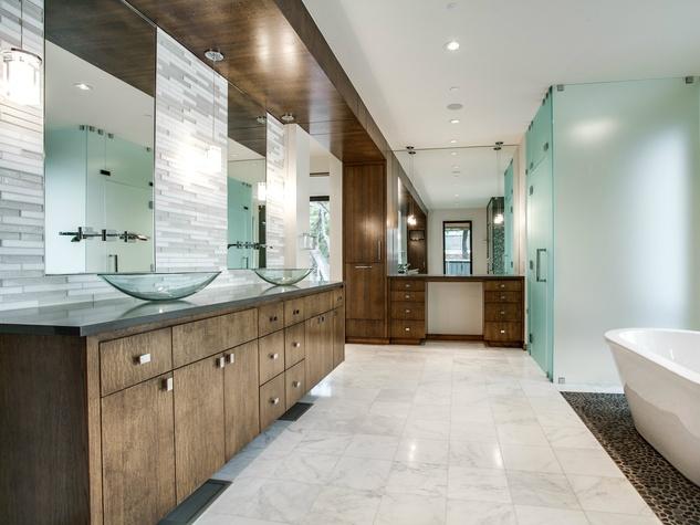 Custom contemporary bathroom on Sunnybrook Drive in Dallas