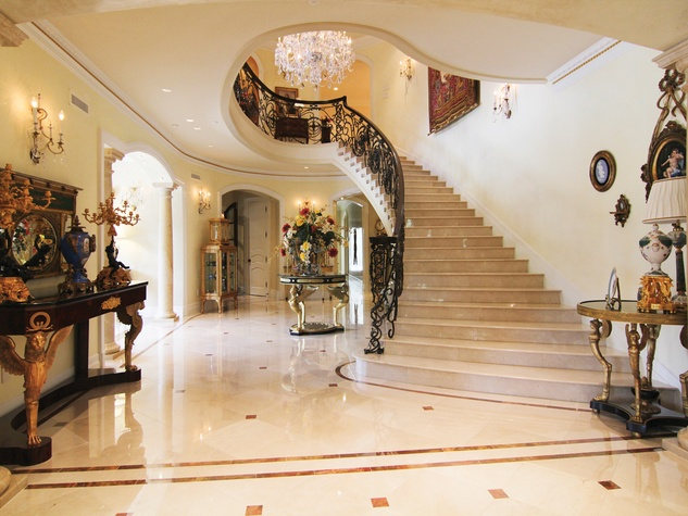 14 On the Market 2115 River Oaks Blvd. August 2014