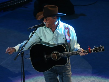 George Strait breaks RodeoHouston record with star-studded show