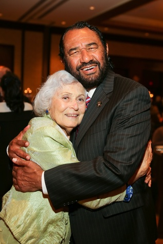8 Jeanne Samuels and Al Green at the Holocaust Museum Moral Courage Award dinner June 2014