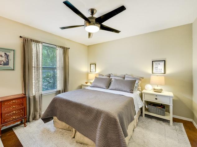 1202 Justin Ln Austin house for sale