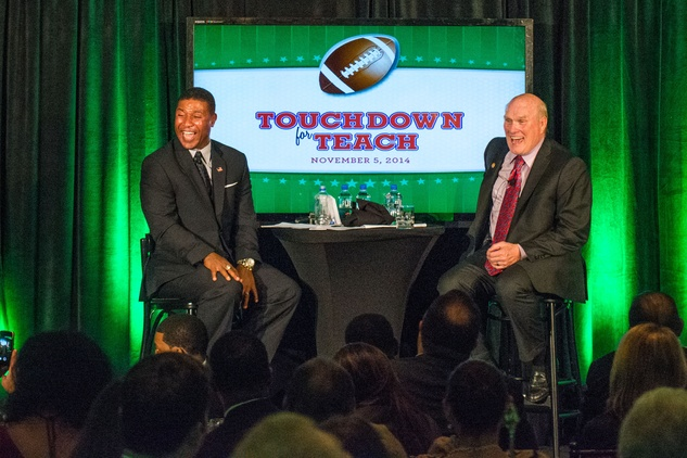 Spencer Tillman, left, and Terry Bradshaw at the Touchdown for Teachers dinner November 2014.