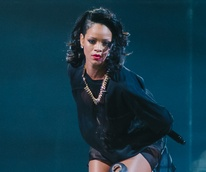 8 Rihanna in concert Houston November 2013
