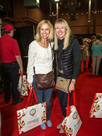 Deb Lynch, Lisa Killian
