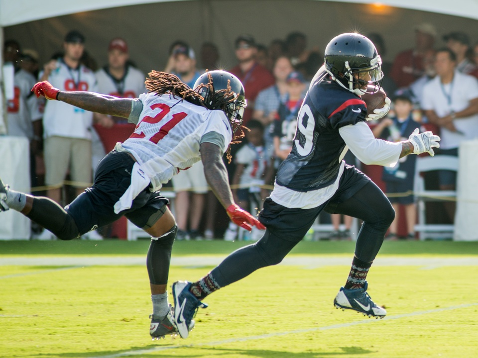 Texans camp missed tackle