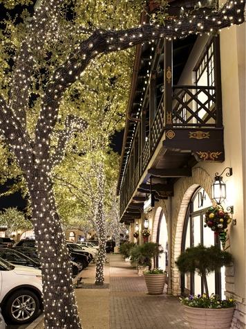 Holiday lights at Highland Park Village