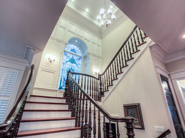 Boulevard Realty 616 E 19th stairway
