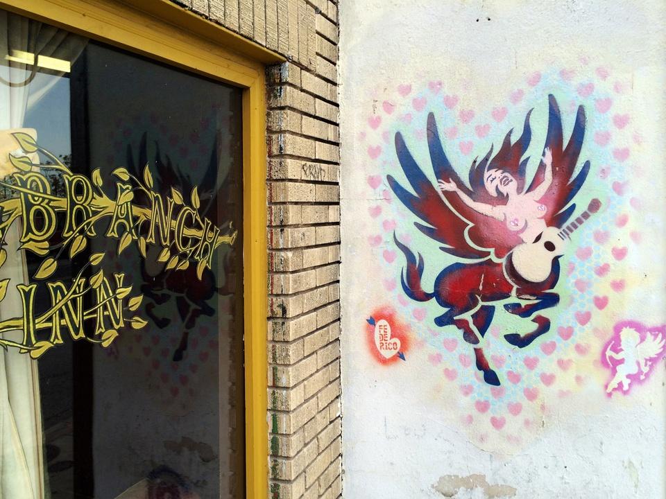 Street Art of Love and Heartbreak in Austin 5