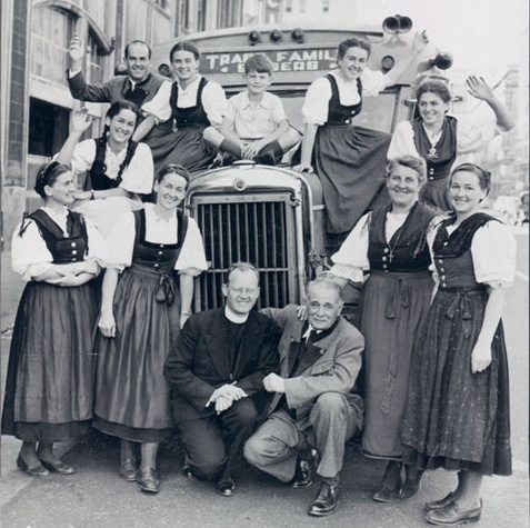 historic photos of the original Von Trapp family singers