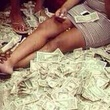 staff at strip club count money supposedly left by Drake November 2013
