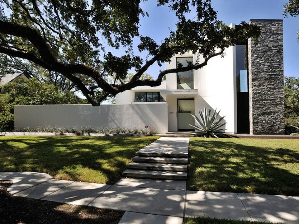 Houston modern home tour showcases city 39 s best new for Modern home decor houston