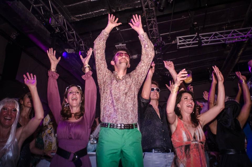 Studio 54klift 2013 crowd dancing